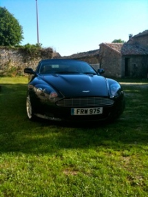 Aston Martin DB9 leaving for Val de Vienne La Ferme de L'Eglise Poitou Charente