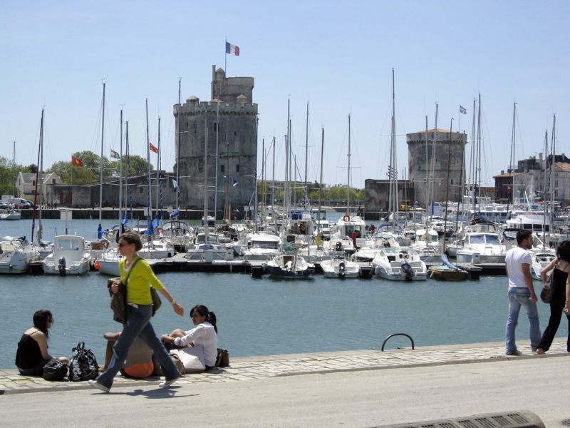 day trip to la rochelle and the ile de r holiday gites in poitou charentes. Black Bedroom Furniture Sets. Home Design Ideas