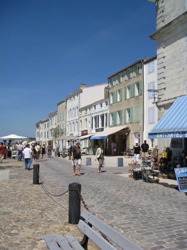 Harbour at St-Martin-de-Ré Ile de Re Charente Maritime gite holidays swimming pool classic car rentals