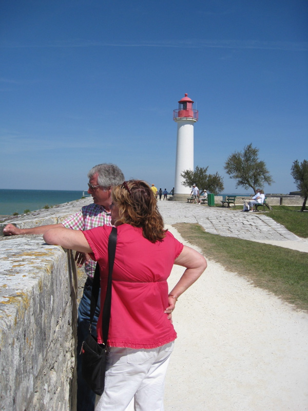 St-Martin-de-Ré lighthouse ramparts Ile de Re gite holidays family swimming pool classic car rental