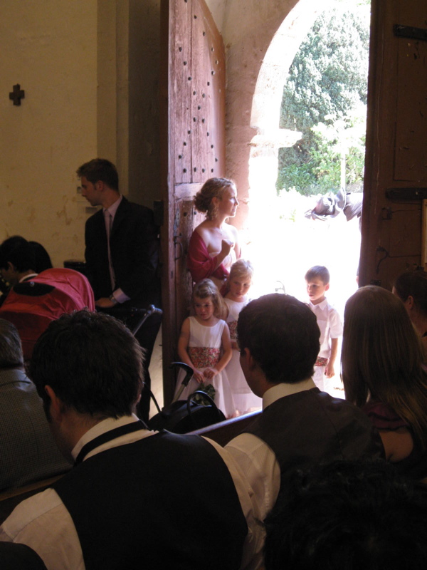 L'Eglise Saint Jacques Vanzay Deux-Sevres Poitou Charente Wedding Classic Car Hire