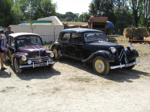 Steam Rally Souvigne Poitou-Charente Tractors Classic Car Hire Citroen DS