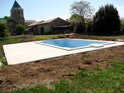 Gites with swimming pool in south west France