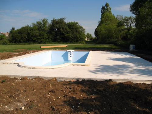 swimming pool with liner at gite in France