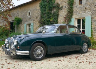 Jaguar MK2 classic car hire France