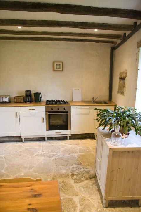 La Petite Maison kitchen