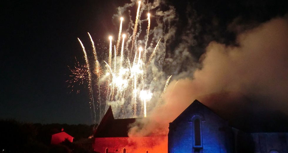 Nuits Romaine Fireworks Vanzay, France